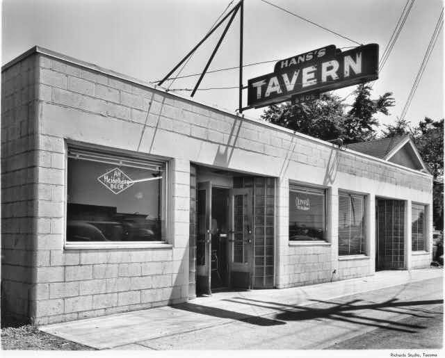 Hans's Place Tavern